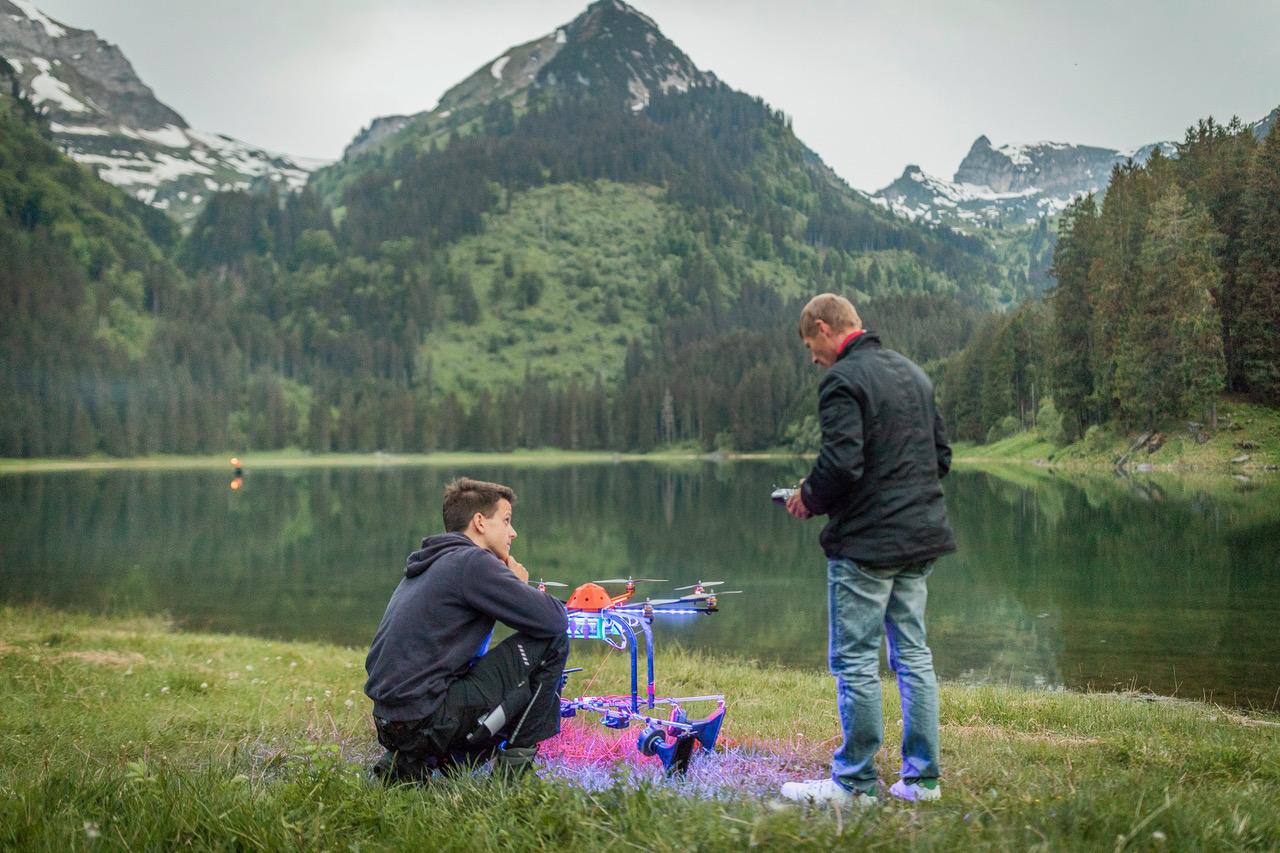 Open-Air-Konzert Voralpsee loudspeaker drone