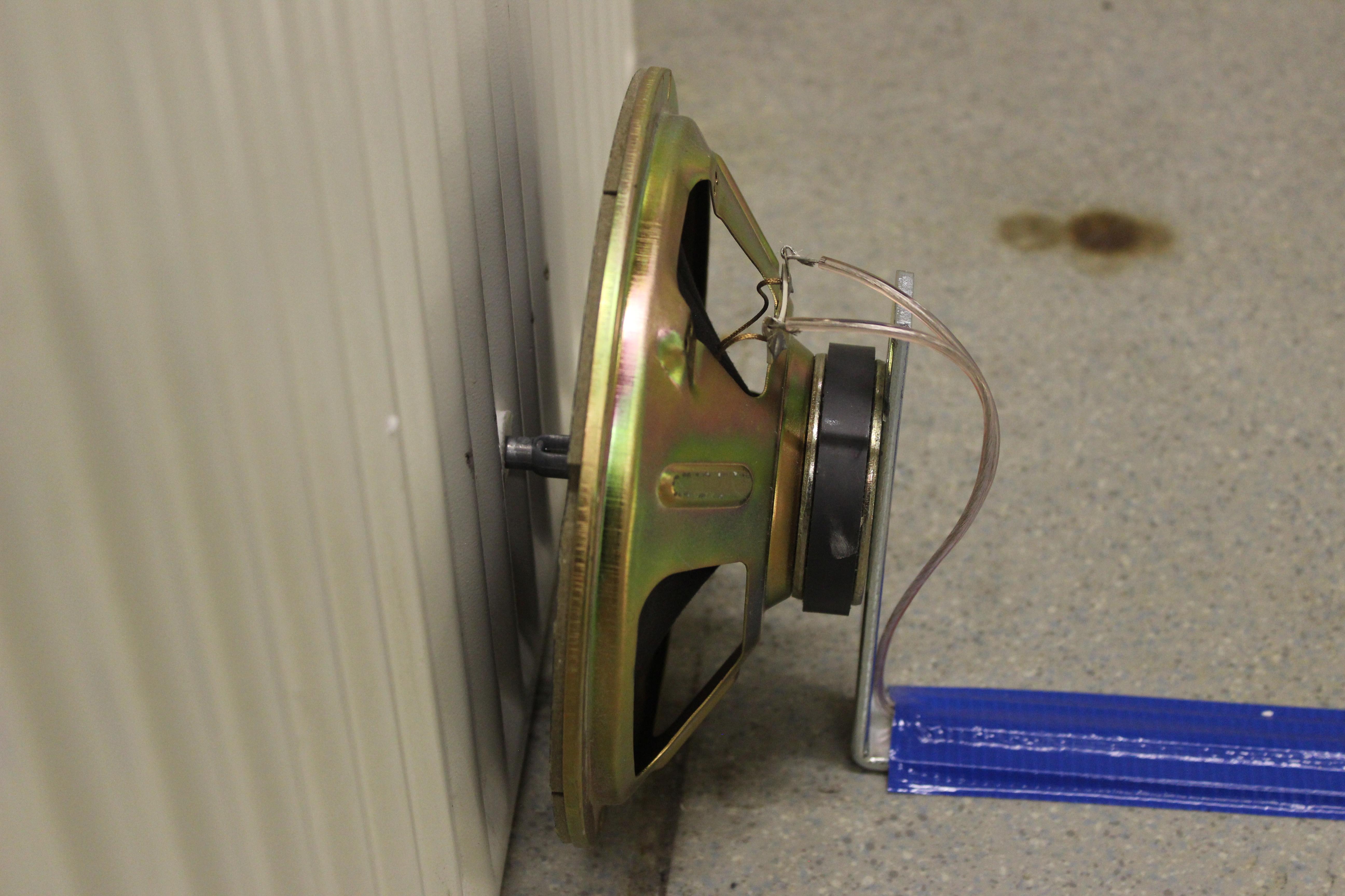 prepared speaker metal rod