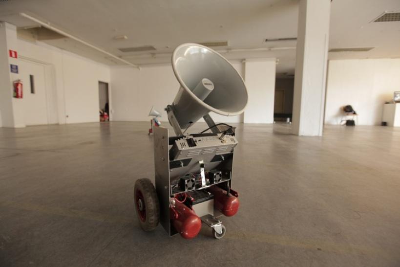 robot sound movement space